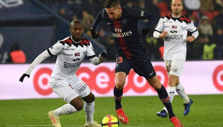 PSG svin pārliecinošu uzvaru pār 'Guingamp'