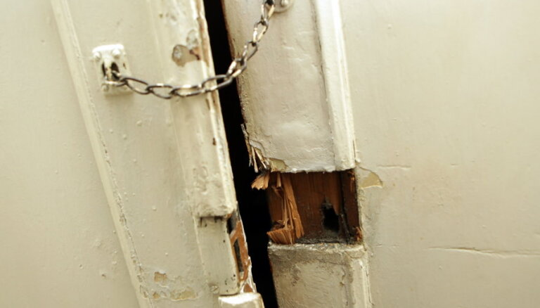Kā svētku laikā pasargāt māju no ļaundariem