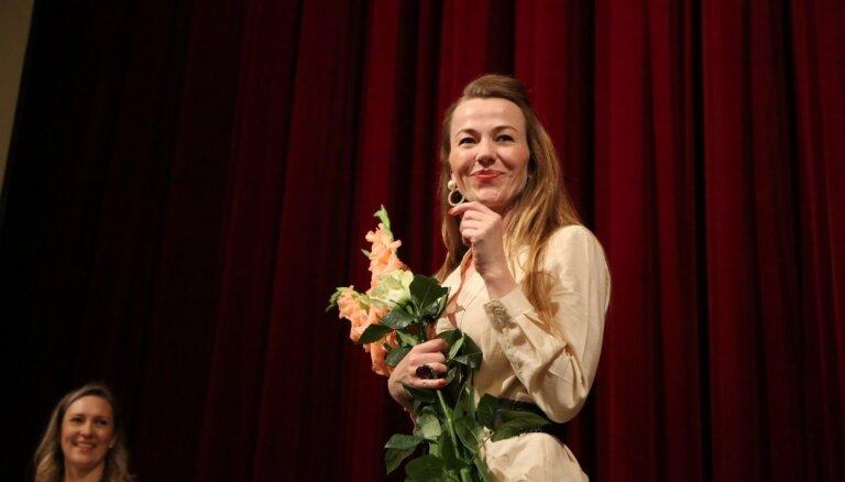 Nacionālais teātris sezonas atklāšanā izziņo jaunas izrādes un dala balvas aktieriem