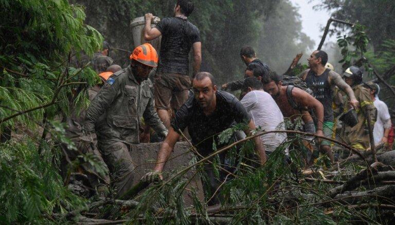 Plūdos Riodežaneiro gājuši bojā vismaz deviņi cilvēki