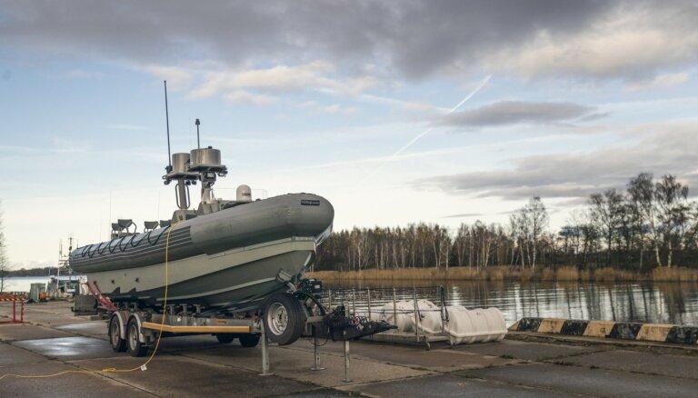 ФОТО: Латвия получила военные лодки для участия в спецоперациях НАТО