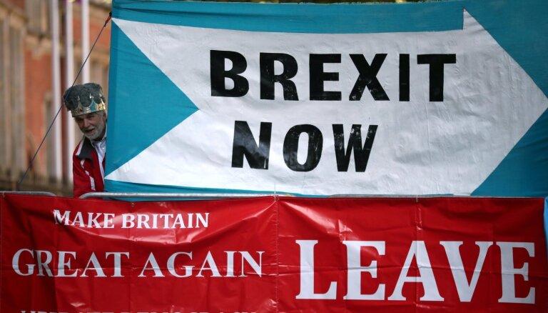 'Brexit' sarunas uzņem tempu, uzskata Londonā