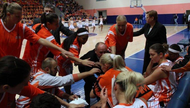 Jēkabsone-Žogota traumas dēļ nepabeidz FIBA Eirolīgas turnīra spēli