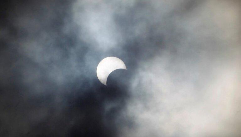 Sestdien Latvijā būs vērojams daļējs Saules aptumsums