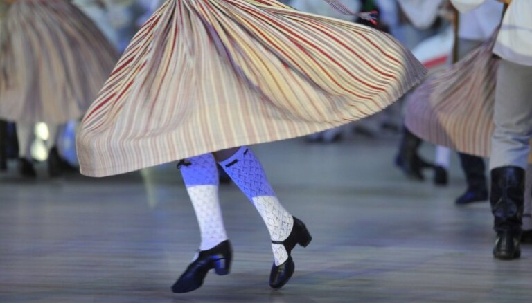 Выделенных на школьный Праздник песни и танца 4 млн евро не хватит, нужно еще 1,5 млн