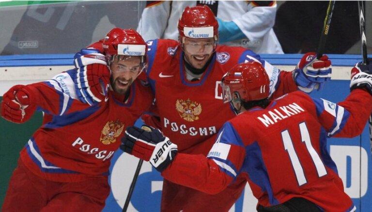 Хоккеисты России начали с победы, американцы размазали словаков