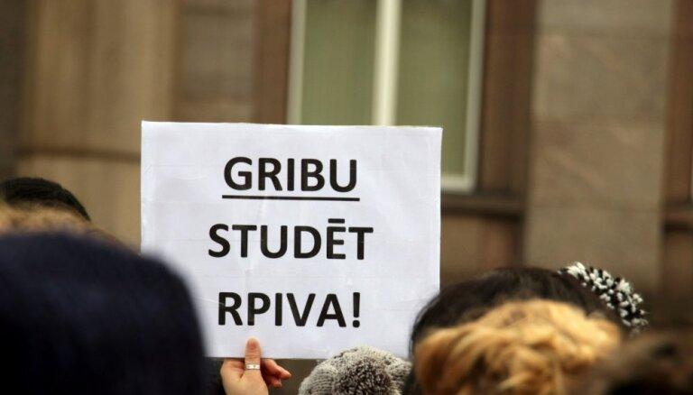 Daļa bijušo RPIVA studentu LU jūtas 'kā izmesti no laivas'