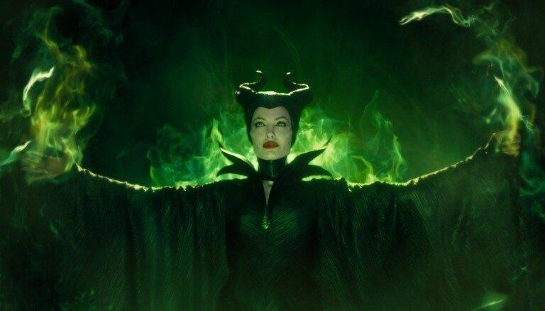 """Джоли согласилась сняться в сиквеле """"Малефисенты"""""""