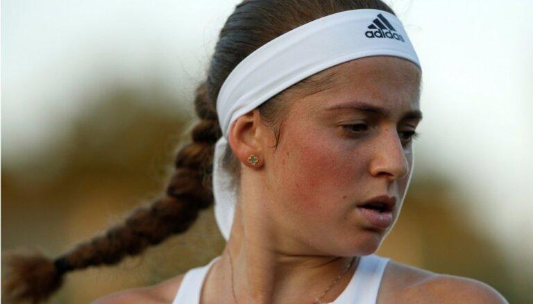 Latvijas tenisistes saglabā rekordaugstās pozīcijas pasaules rangā; Gulbis turpina kāpt uz augšu