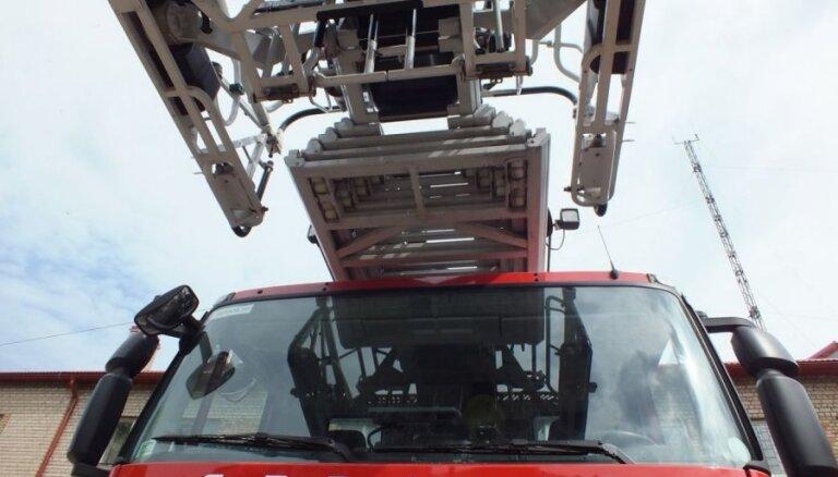 За прошедшие сутки произошло 13 пожаров, погиб один человек