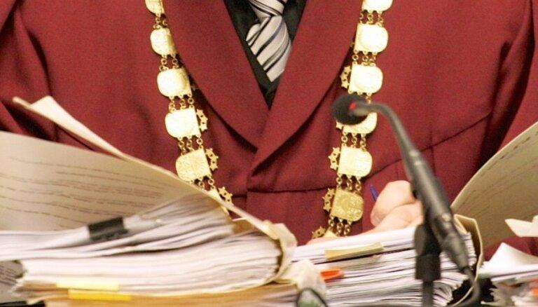 Tiesnešu ētikas komisija varētu vērtēt AT tiesneša Strupiša jautājumu