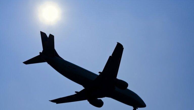 Самолет аirBaltic вернулся в Амстердам из-за проблем с шасси