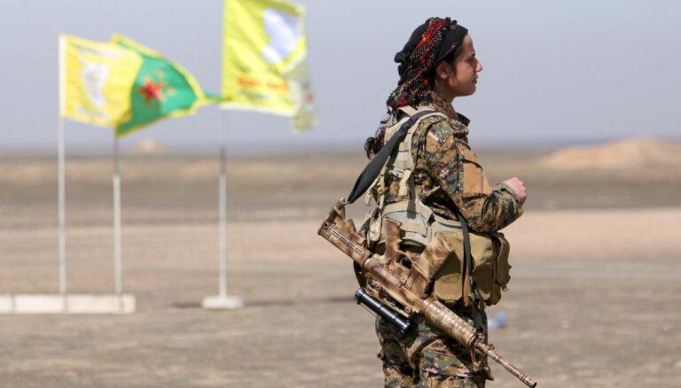 Turcija lūdz ASV savākt Sīrijas kurdiem izdalītos ieročus