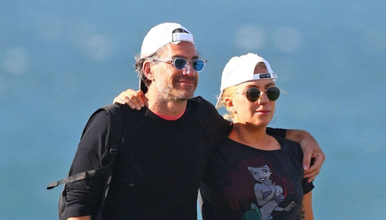 Стало известно, почему Леди Гага порвала с женихом