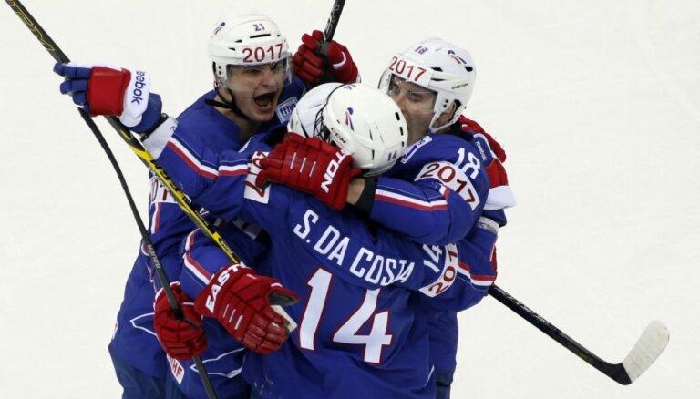Francijas hokejisti sevi vairs neuzskata par 'tumšajiem zirdziņiem', skaidro uzbrucējs Rosels