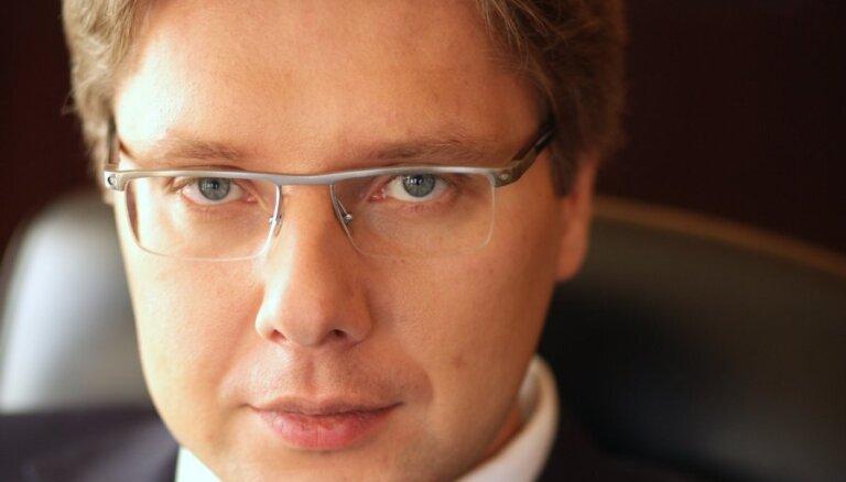 """Оппозиция РД уличила Ушакова в нарушении закона о госязыке; мэр иронизирует над """"деятелями """"Единства"""""""