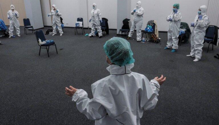 Covid-19: Polija cer februārī sākt vakcināciju; ASV iecerējusi līdz tam sapotēt 100 miljonus