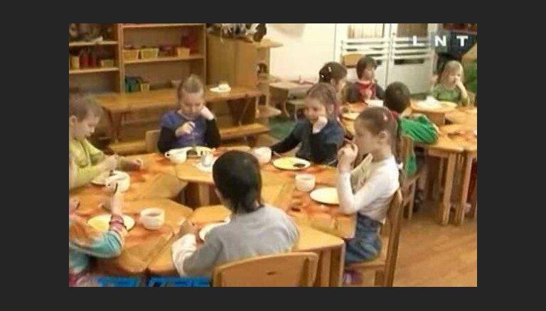 Nespēj samaksāt par pusdienām bērnudārzā
