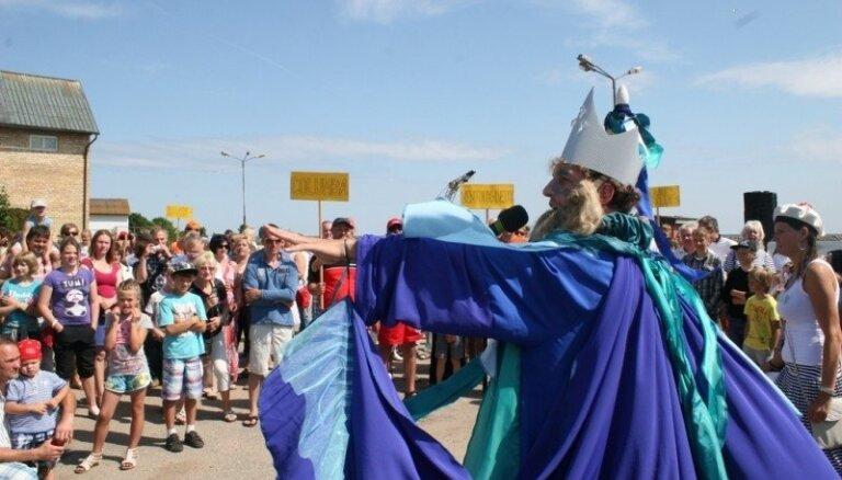 Fotoreportāža: Engurē aizvadīti Jūras svētki