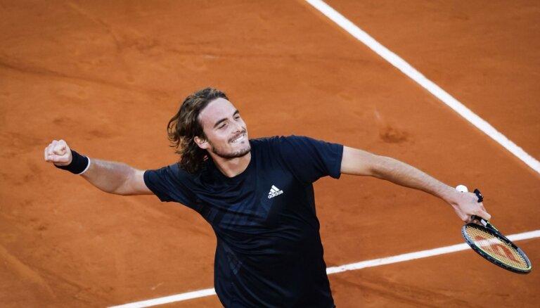 Cicipass pirmajā karjeras 'French Open' pusfinālā tiksies ar Džokoviču