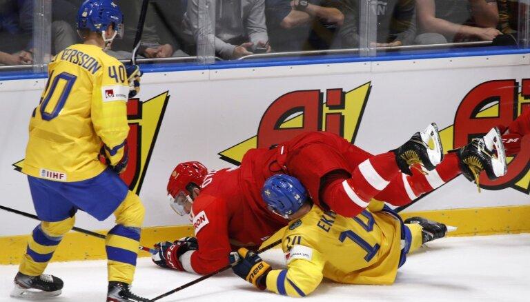 Video: Grandu duelī Krievija otra periodā satricina Zviedrijas aizsardzību
