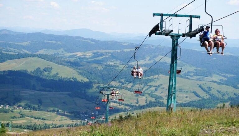 Kalnu šarms, bifeļi un lāču rehabilitācija – ceļojums uz Karpatiem Ukrainā