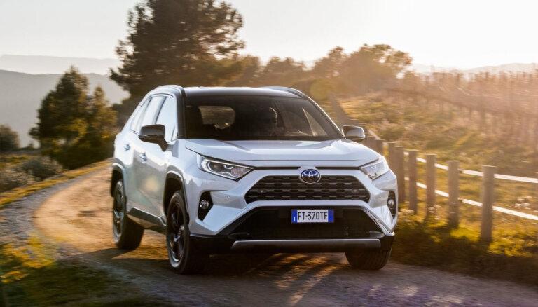 Названы самые продаваемые в Латвии новые автомобили