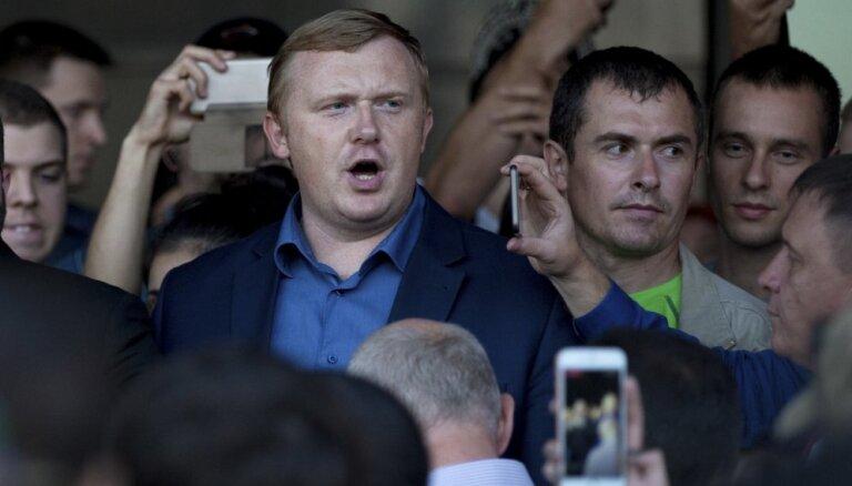 Populāram komunistu politiķim Krievijā liedz kandidēt gubernatora vēlēšanās