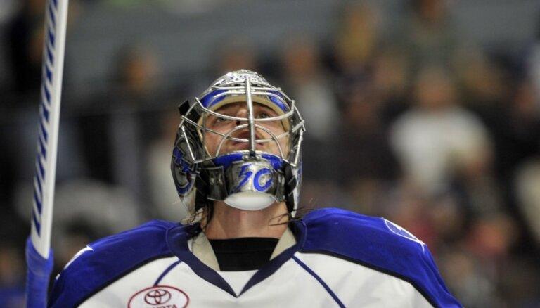 Gudļevskis ielaiž trīs vārtus 'Crunch' zaudētā AHL spēlē