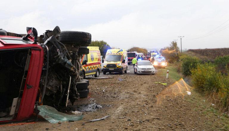 Жертвами аварии автобуса в Словакии стали 12 человек
