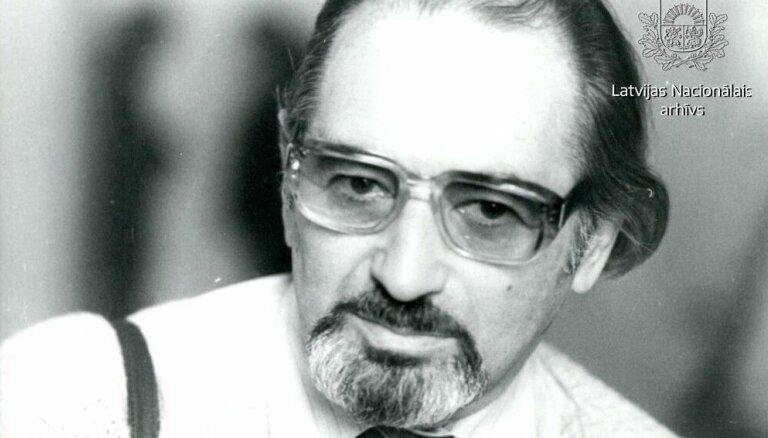 Arhīva foto: Kinorežisoram, scenāristam Hercam Frankam – 95