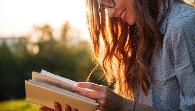 Augstāks IQ un mazāk stresa – ieguvumi, ko sniedz grāmatu lasīšana