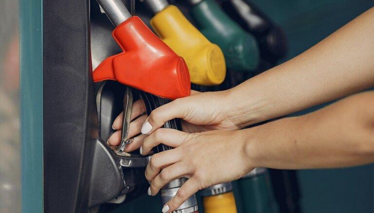 Bloomberg предсказал взлет цен на бензин в США из-за хакерской атаки
