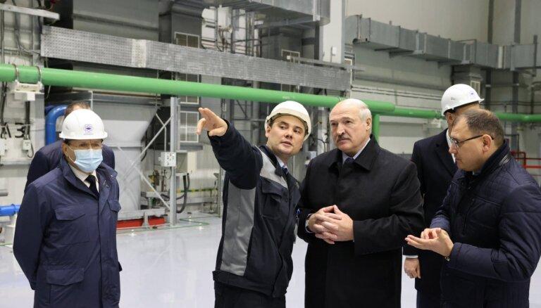 Lukašenko oficiāli atklāj Astravjecas AES