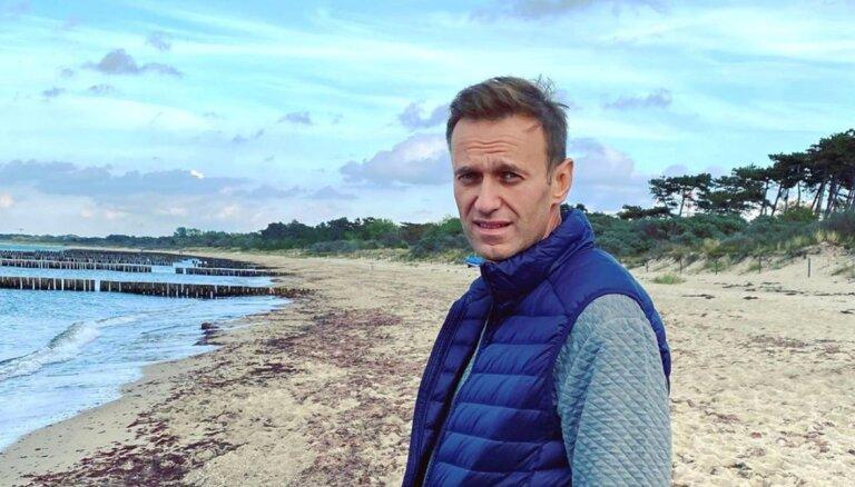 Навальный после отравления поднялся на четвертую строчку в топ-100 персон, которым доверяют россияне
