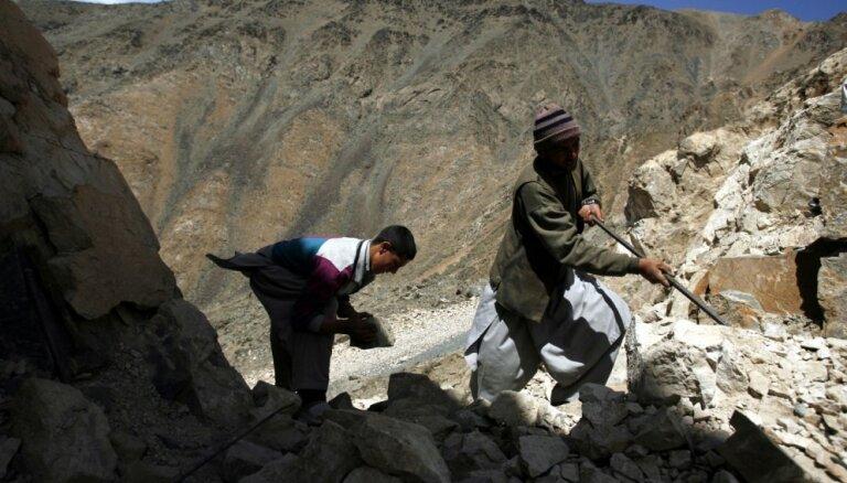 Afganistānā iebrūkot zelta ieguves šahtai, 35 bojāgājušie
