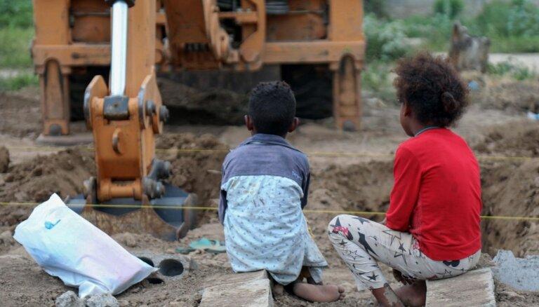 Pandēmijas laikā miljoniem bērnu Jemenā draud bads, brīdina UNICEF