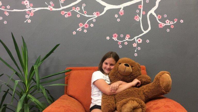 Desmitgadīgā Katrīna dzimšanas dienā dāvanu vietā lūdz palīdzēt ar ziedojumiem jauniešu atbalstam