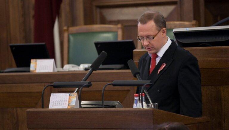 Kabanovam par iespējamo ierašanos Saeimā reibumā no tribīnes nolasa brīdinājumu