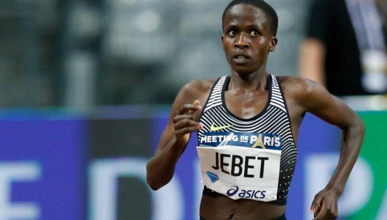 Olimpiskā čempione Jebeta uzstāda jaunu pasaules rekordu 3000 metru šķēršļu skrējienā