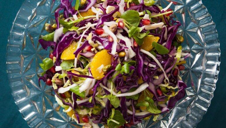 Салат из трёх видов капусты с апельсинами