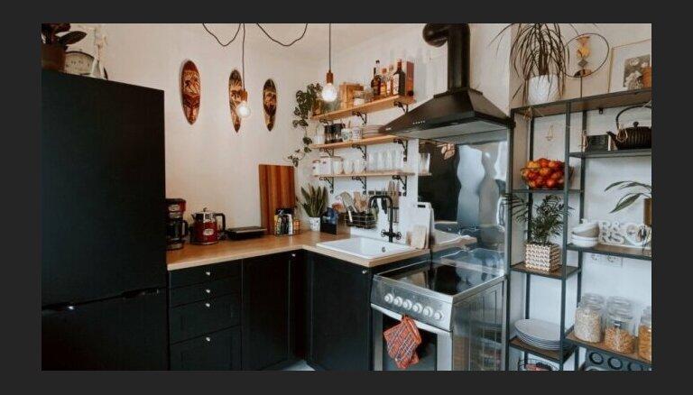 Foto: 12 kvadrātmetri gatavošanai – industriālā stila virtuve Igaunijā