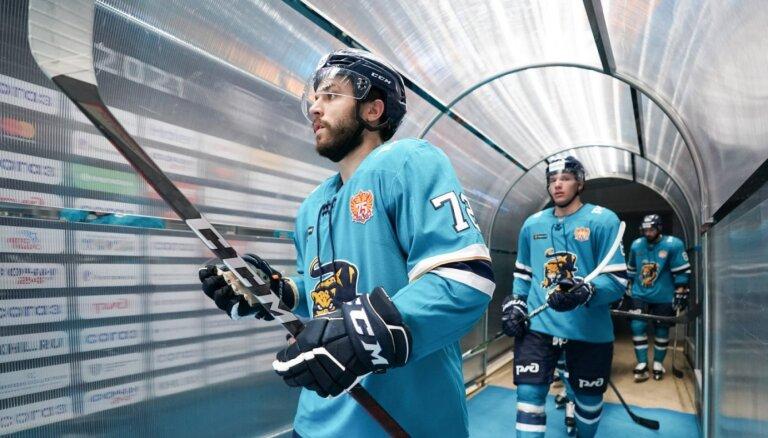 Jaks pēc izcilās debijas 'Soči' komandā atzīts par KHL nedēļas labāko aizsargu