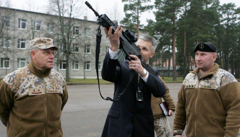 Trauksme Latvijas armijā nav bijusi izsludināta, uzsver Pabriks