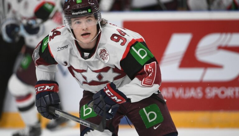 Hokeja izlasei no Amerikas pievienosies jaunais Krastenbergs