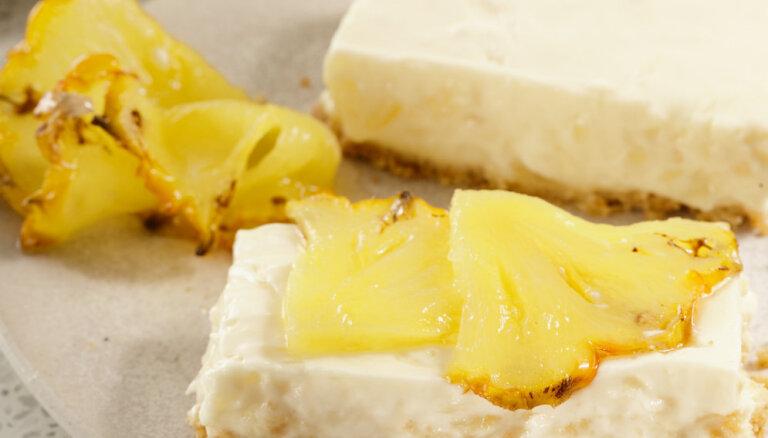 Простой йогуртовый пирог с ананасами без выпечки и лишних калорий