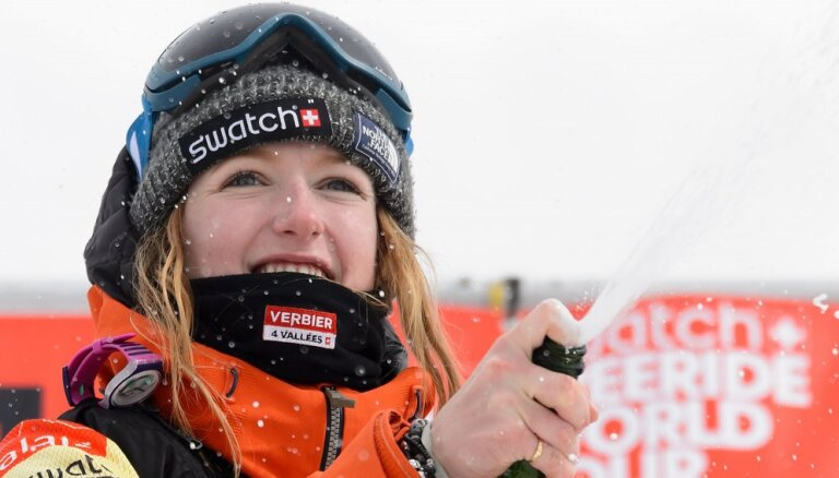 Lavīnā bojā gājusi divkārtēja pasaules čempione ekstrēmajā snovbordā