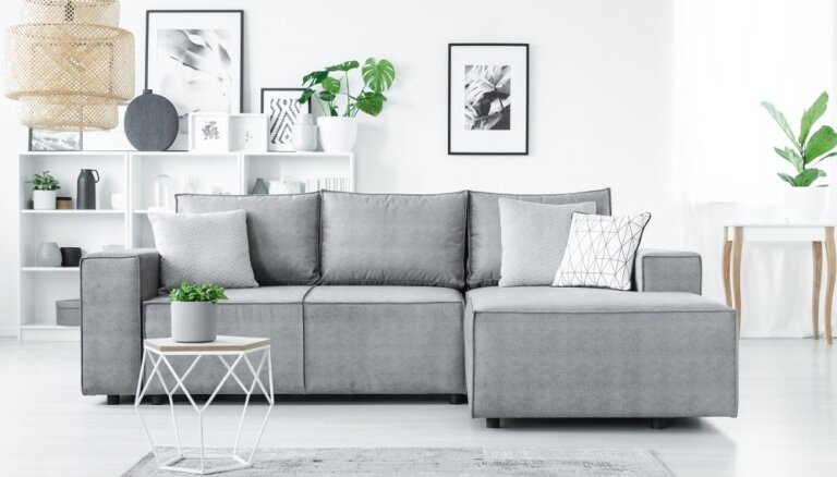 Vai internetā var iegādāties labu dīvānu?