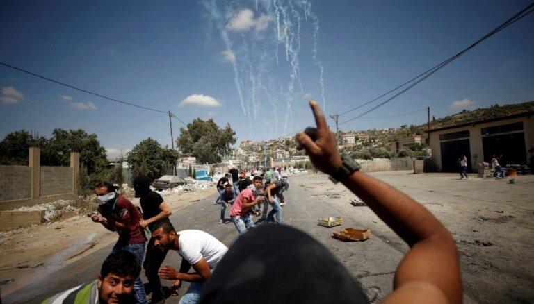 Palestīniešu demonstrācijas pāraug sadursmēs ar Izraēlas drošības spēkiem