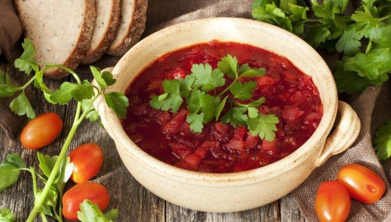 21 tradicionāla latviešu virtuves recepte – no skābeņu zupas līdz karbonādei